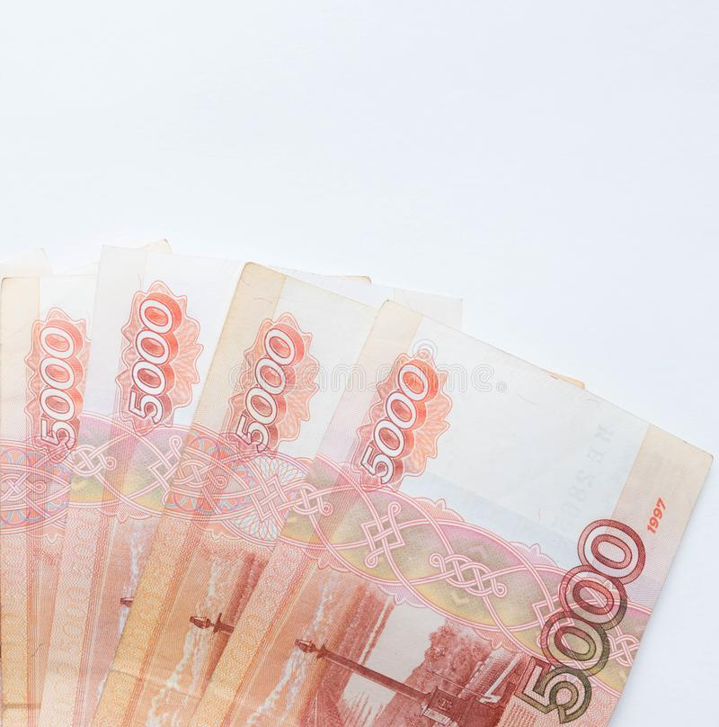 Εικόνα στούντιο 5000 ρούβλια μετρητά πέντε χιλιάδων του μακρο ρωσικού νομίσματος Ρωσικής Ομοσπονδίας στοκ φωτογραφία