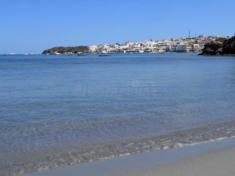 Εικόνα της ακτής του νησιού Baeutiful Menorca στην Ισπανία Ένας φυσικός παράδεισος στοκ φωτογραφίες