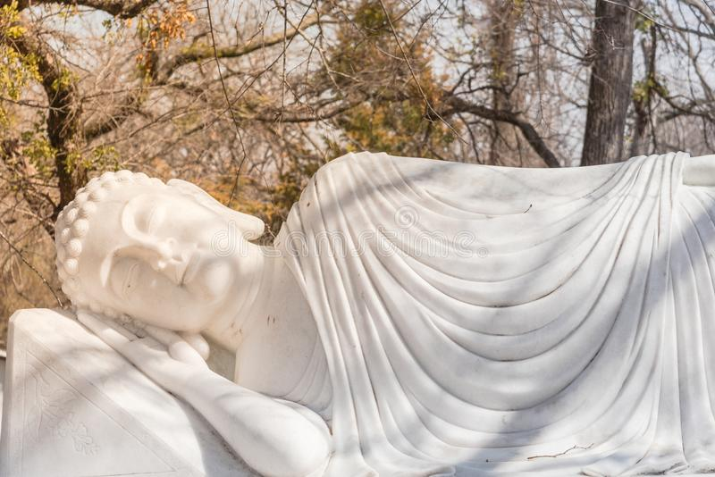 Εικόνα του Βούδα στο νιρβάνα Parinibbana του μετά από το θάνατο στοκ εικόνες