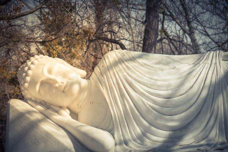 Εικόνα του Βούδα στο νιρβάνα Parinibbana του μετά από το θάνατο στοκ φωτογραφία