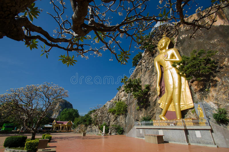 Εικόνα του Βούδα στο βουνό στοκ εικόνες με δικαίωμα ελεύθερης χρήσης
