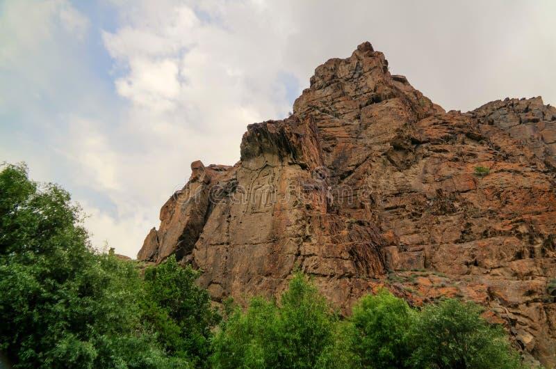 Εικόνα του Βούδα στο βράχο πέρα από τον ποταμό Kar Gah, Karakorum, Πακιστάν στοκ εικόνες