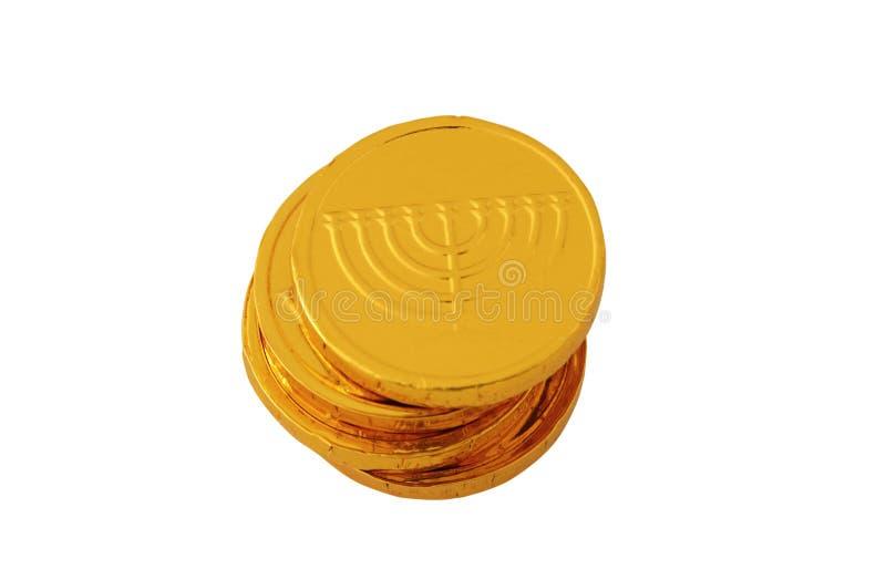 Εικόνα των εβραϊκών διακοπών Hanukkah με τα χρυσά νομίσματα σοκολάτας που απομονώνονται στο λευκό στοκ εικόνες με δικαίωμα ελεύθερης χρήσης