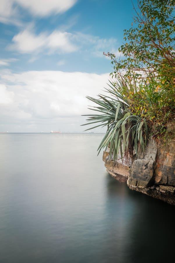 Ειρηνική τροπική σκηνή του Τρινιδάδ και Τομπάγκο νησιών Chacachacare στοκ εικόνες