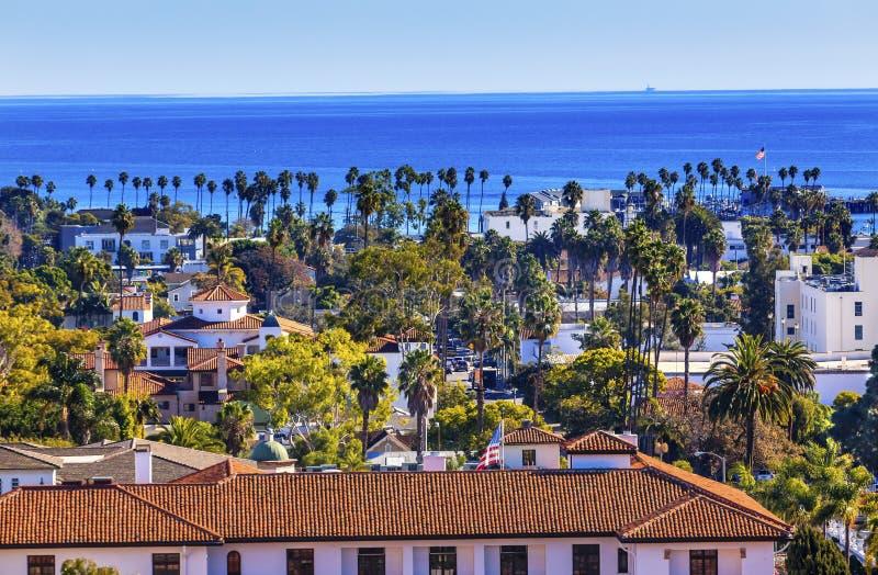 Ειρηνικός Ωκεανός Santa Barbara Καλιφόρνια κεντρικών δρόμων σπιτιών δικαστηρίου στοκ εικόνες