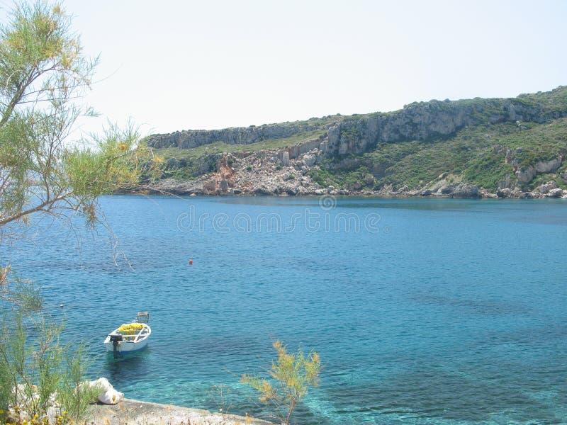 Download ειρηνικό τοπίο στοκ εικόνα. εικόνα από θάλασσα, βράχος - 120917