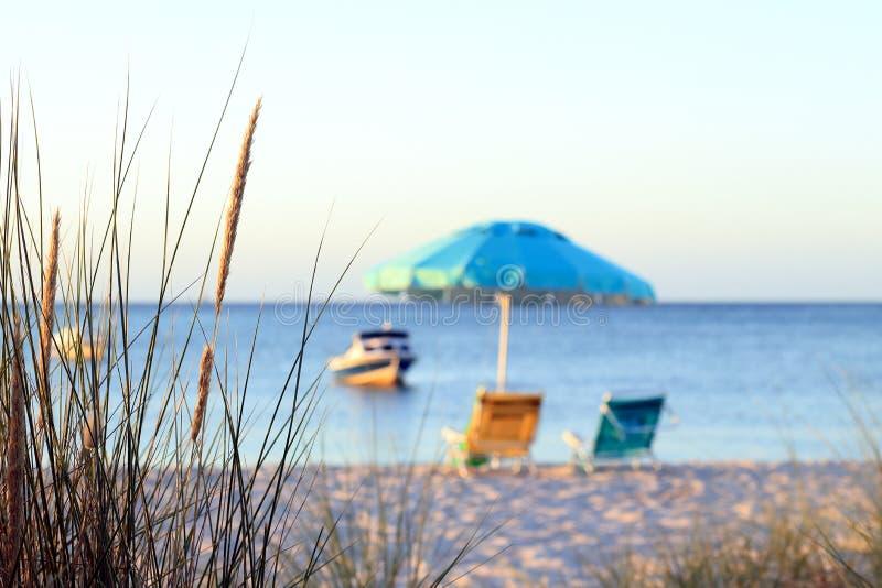 Ειρηνικό beachscape στοκ εικόνα με δικαίωμα ελεύθερης χρήσης