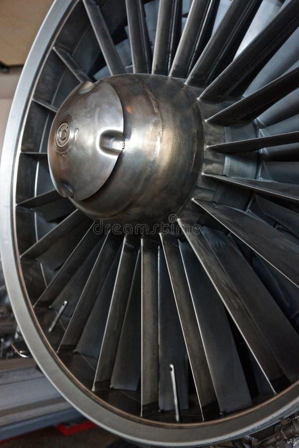 Εισαγωγή αεριωθούμενων μηχανών με την μπλεγμένη και περιστρεφόμενη δομή χάλυβα στοκ εικόνα