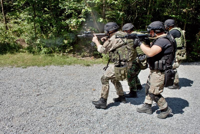 Ειδική αστυνομική μονάδα στην κατάρτιση στοκ εικόνα