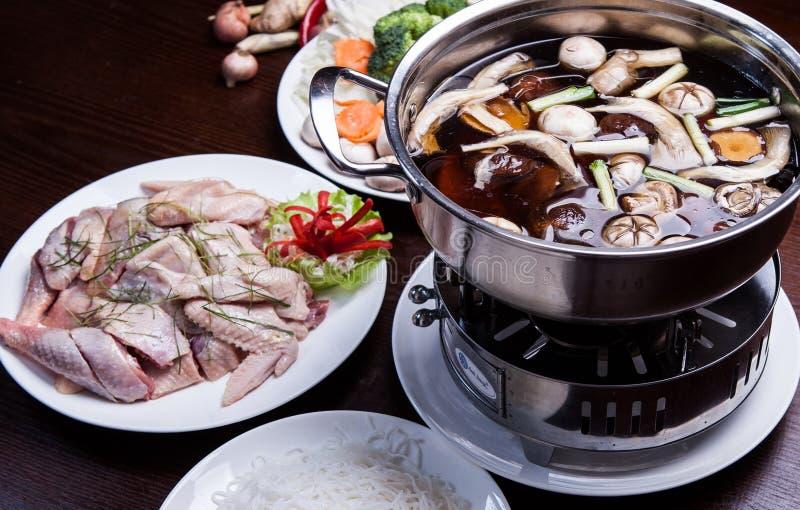 Ειδικό καυτό δοχείο του κοτόπουλου στην Κίνα στοκ φωτογραφία με δικαίωμα ελεύθερης χρήσης