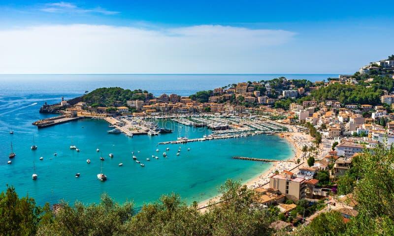 Ειδυλλιακή άποψη Μεσογείων της Ισπανίας Port de Soller Majorca στοκ εικόνες με δικαίωμα ελεύθερης χρήσης