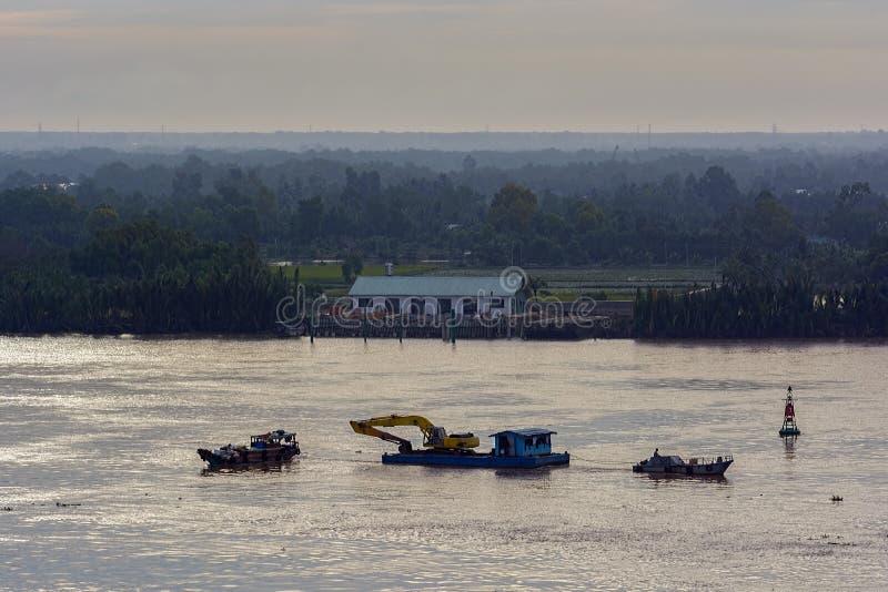 Εκβάθυνση του ποταμού Saigon (κυβέρνηση της Νιγηρίας Sai τραγουδιού) Βιετνάμ στοκ εικόνα με δικαίωμα ελεύθερης χρήσης