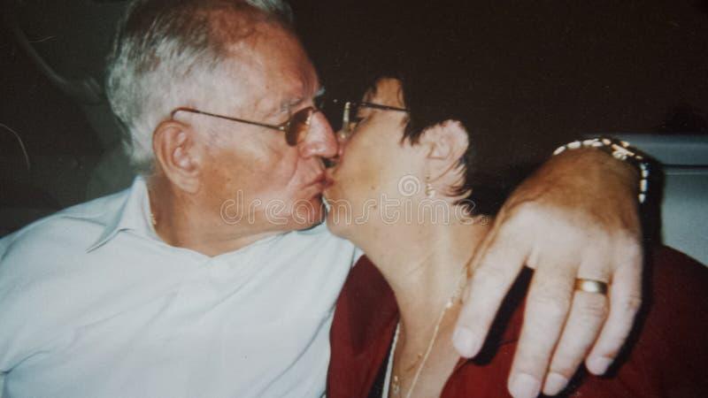 Εκείνο το ειδικό φιλί στοκ φωτογραφίες με δικαίωμα ελεύθερης χρήσης
