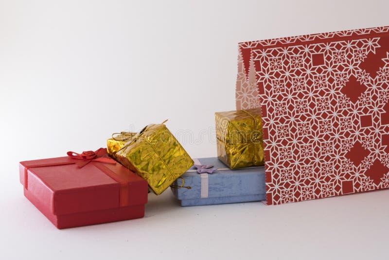 Εκκένωση των δώρων στοκ εικόνες