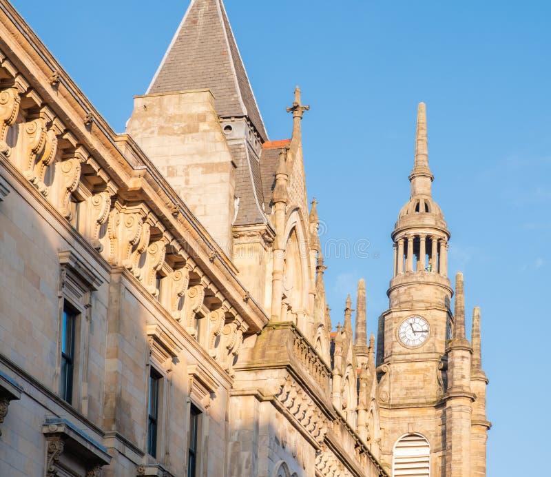 Εκκλησία Γλασκώβη πύργων ρολογιών & του ST Ζορζ Τρον κτηρίων στοκ φωτογραφία
