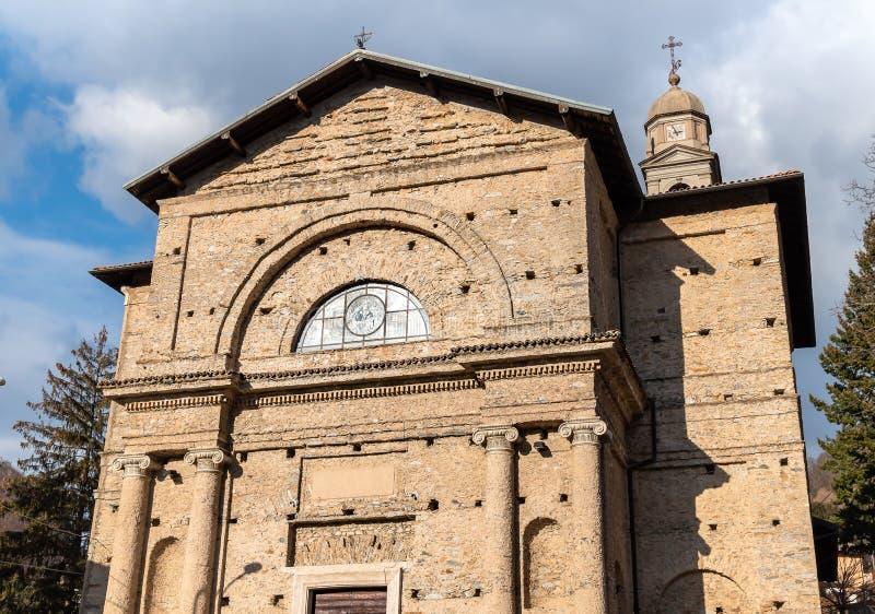 Εκκλησία κοινοτήτων του degli Angeli της Σάντα Μαρία στο χωριό Rasa, μέρος του δήμου του Βαρέζε, Ιταλία στοκ εικόνα