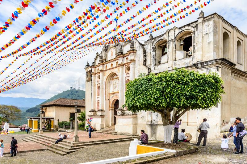Εκκλησία που διακοσμείται για το Corpus Christi, Γουατεμάλα στοκ εικόνες με δικαίωμα ελεύθερης χρήσης
