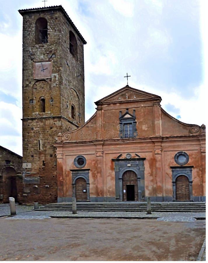 Εκκλησία στην πλατεία Civita Di Bagnoregio Ιταλία στοκ εικόνες με δικαίωμα ελεύθερης χρήσης