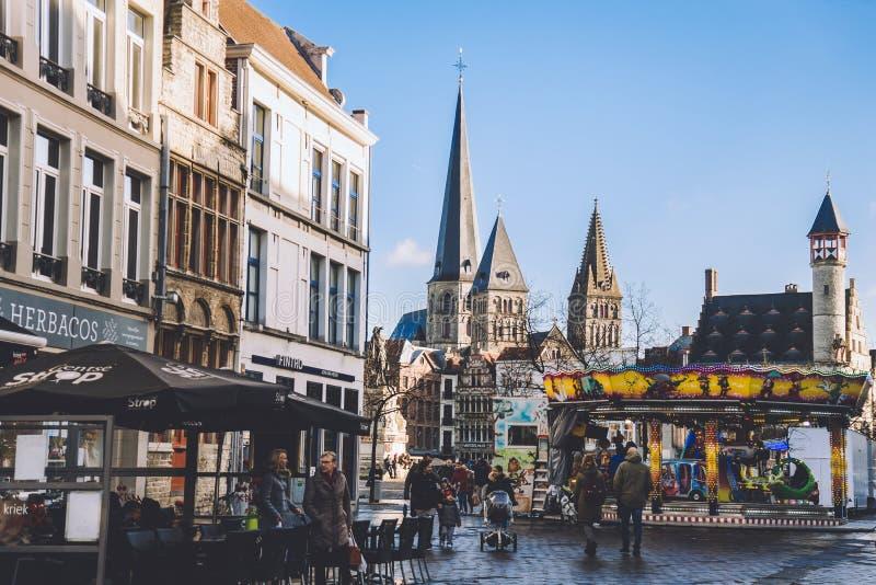 Εκκλησία του ST Jacobs και αγορά Χριστουγέννων στη Γάνδη στοκ φωτογραφίες