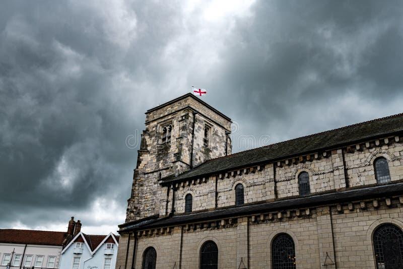 Εκκλησία του ST Michaels σε Malton, βόρειο Γιορκσάιρ, UK μια νεφελώδη ημέρα στοκ φωτογραφία με δικαίωμα ελεύθερης χρήσης