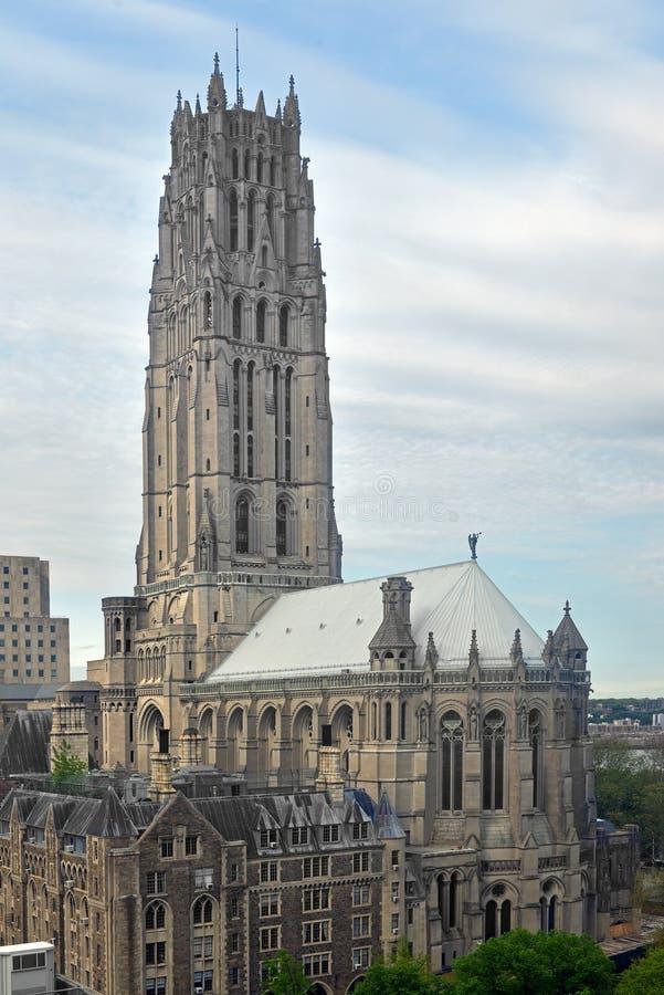 Εκκλησία όχθεων ποταμού, χριστιανική εκκλησία στα ύψη Morningside, το ανώτερο Μανχάταν, πόλη της Νέας Υόρκης Άνοιξε τις πόρτες το στοκ εικόνες