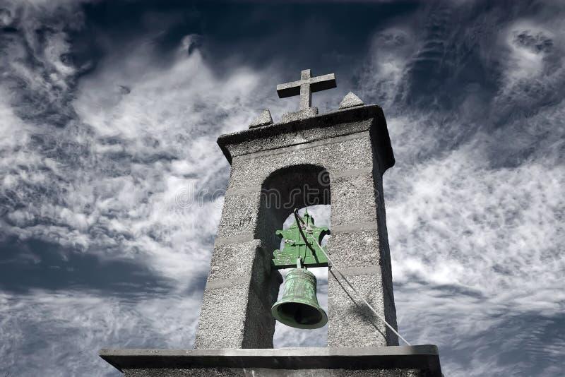 Download εκκλησία στοκ εικόνα. εικόνα από καθολικός, σύννεφο, σταυρός - 17052763