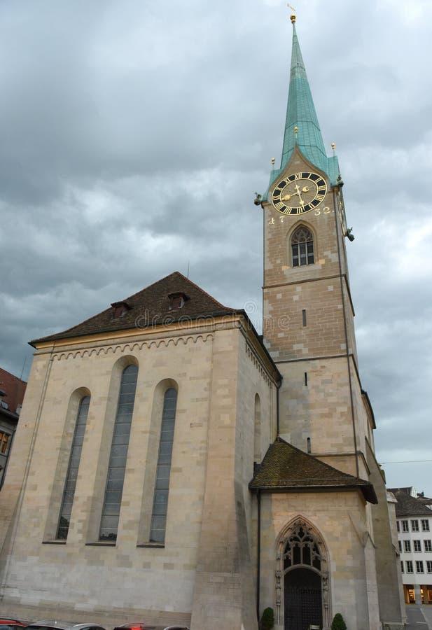 Εκκλησία Fraumunster στο χρόνο βραδιού στη Ζυρίχη, Ελβετία στοκ φωτογραφία με δικαίωμα ελεύθερης χρήσης
