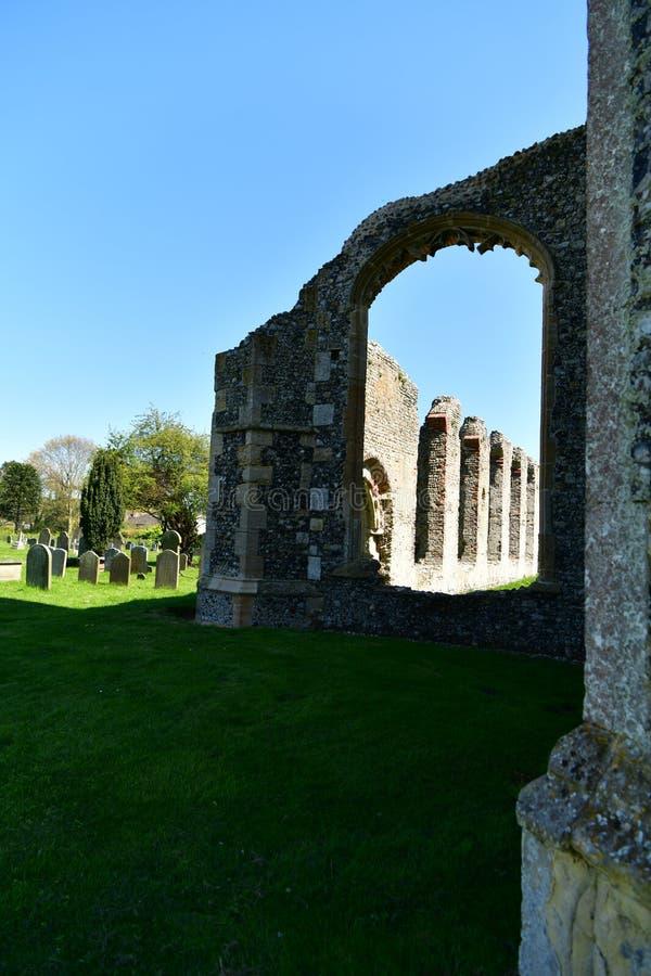 Εκκλησία ST Andrew, Walberswick UK καταστροφών, στοκ φωτογραφίες
