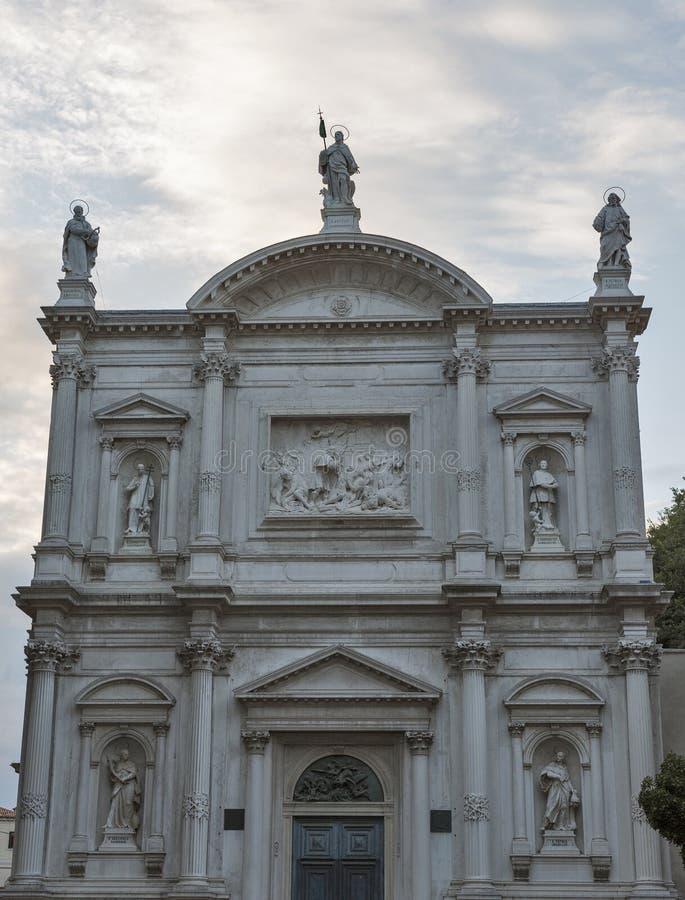 Εκκλησία Αγίου Roch με το δραματικό ουρανό στη Βενετία, Ιταλία στοκ εικόνα