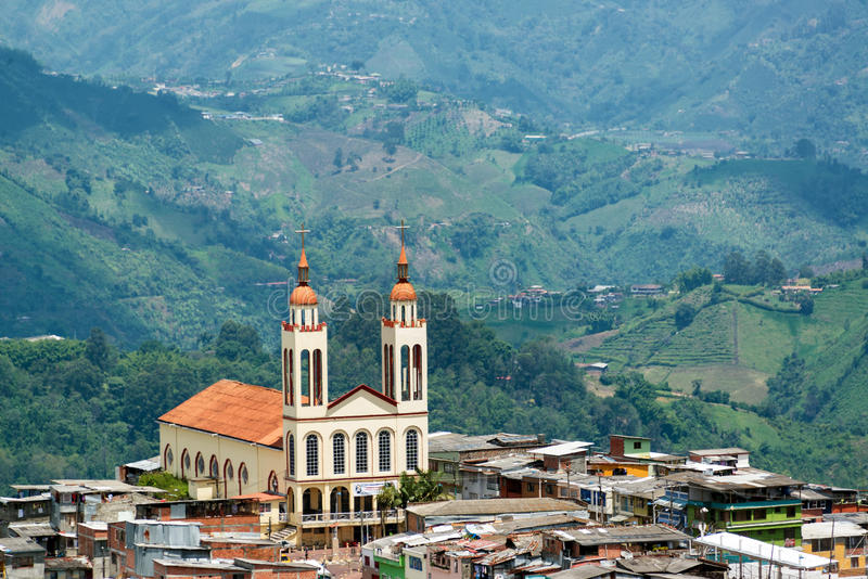Εκκλησία και λόφοι του Manizales στοκ φωτογραφία με δικαίωμα ελεύθερης χρήσης