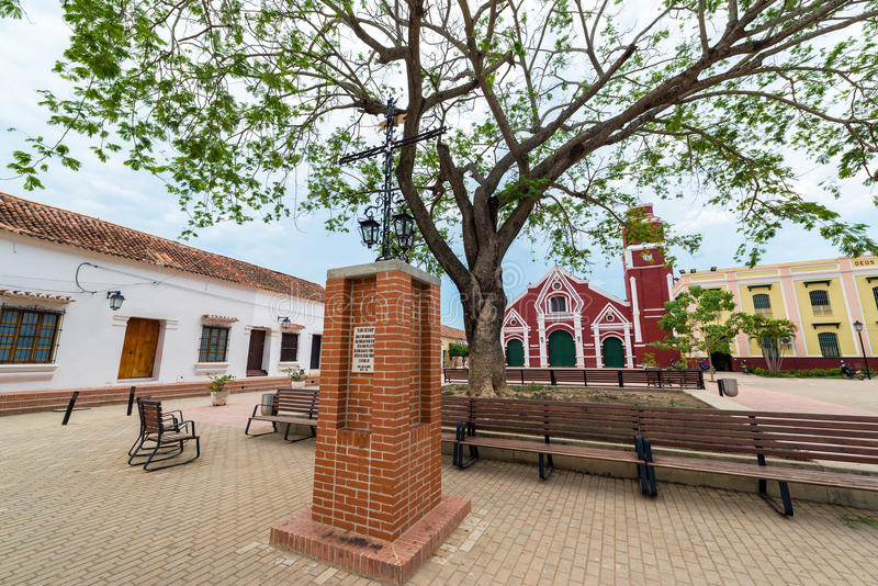 Εκκλησία και Plaza του Σαν Φρανσίσκο στοκ φωτογραφία με δικαίωμα ελεύθερης χρήσης