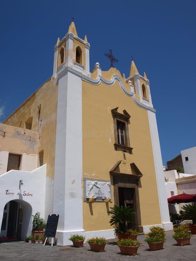 Εκκλησία μαρινών Αγίου, Santa Marina Di Salina, νησί αλυκών, Σικελία, Ιταλία στοκ εικόνα με δικαίωμα ελεύθερης χρήσης