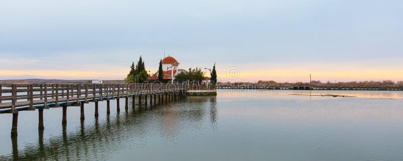 Εκκλησία, Πόρτο Λάγκος, λίμνη Vistonida, νομαρχιακό διαμέρισμα της Ξάνθης, Θράκη, Ελλάδα στοκ φωτογραφία με δικαίωμα ελεύθερης χρήσης