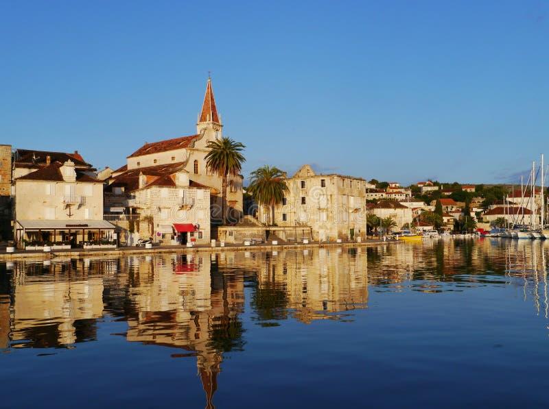 Εκκλησία σε Milna στο νησί Brac στην αδριατική θάλασσα της Κροατίας στοκ εικόνες με δικαίωμα ελεύθερης χρήσης