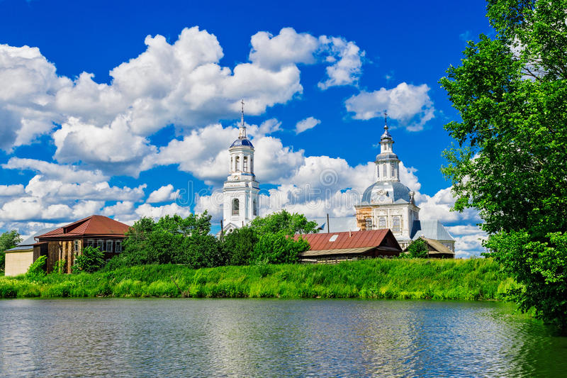 Εκκλησία στο petrovskoye στοκ φωτογραφία με δικαίωμα ελεύθερης χρήσης