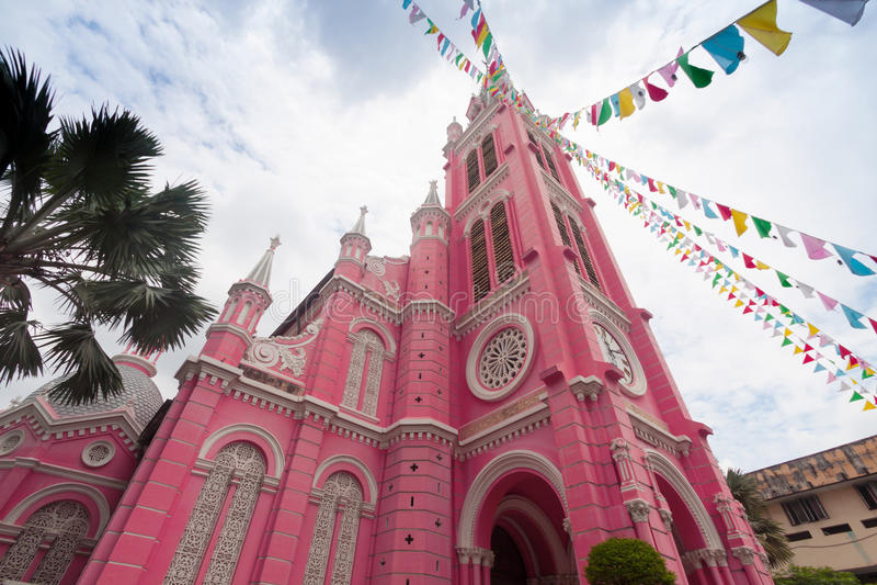 Εκκλησία της Tan Dinh - η ρόδινη καθολική εκκλησία στη πόλη Χο Τσι Μινχ, στοκ εικόνα με δικαίωμα ελεύθερης χρήσης