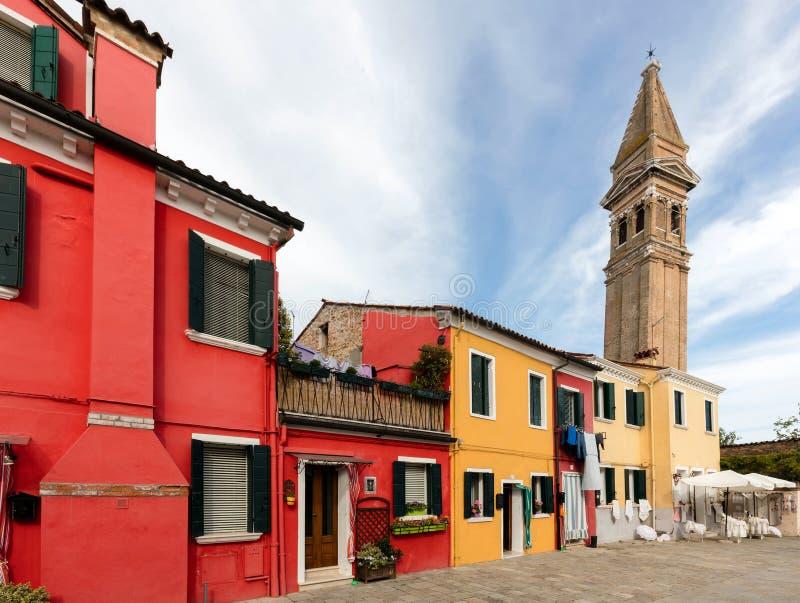 Εκκλησία του κλίνοντας καμπαναριού SAN Martino στοκ φωτογραφίες