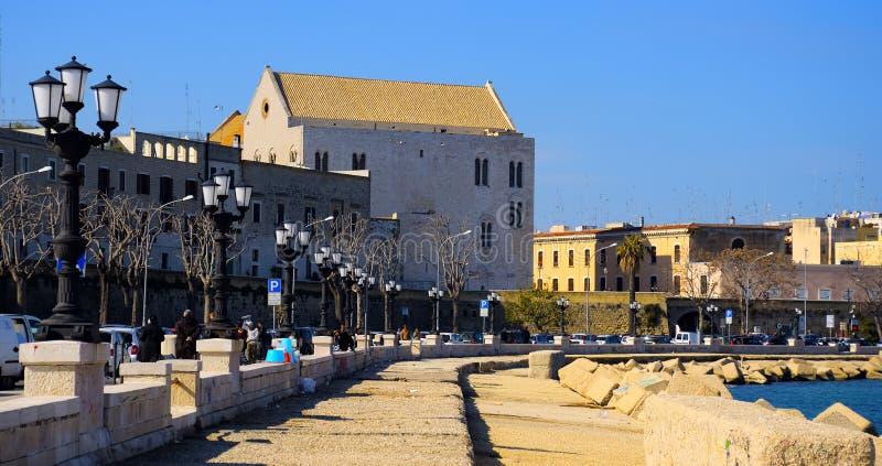 Εκκλησία SAN Nicola, οπισθοσκόπος από τον περίπατο του Μπάρι στοκ εικόνες με δικαίωμα ελεύθερης χρήσης