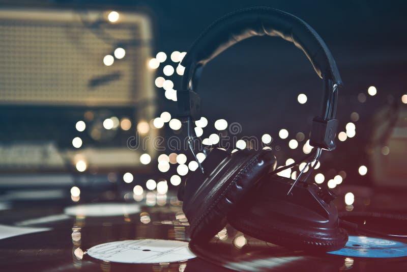 Εκλεκτής ποιότητας ακουστικά & αρχεία στοκ εικόνες με δικαίωμα ελεύθερης χρήσης