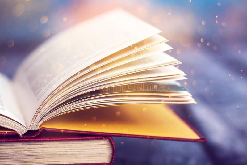 Εκλεκτής ποιότητας ανοικτό βιβλίο στοκ φωτογραφία με δικαίωμα ελεύθερης χρήσης