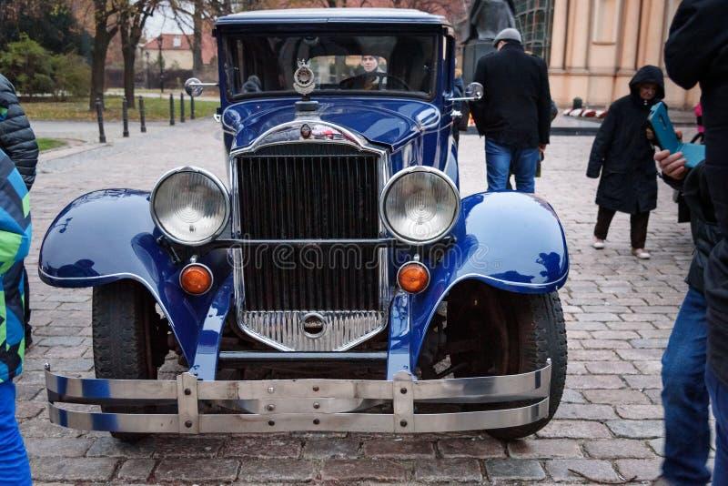 Εκλεκτής ποιότητας αυτοκίνητο 1929 Packard 645 λουξ οκτώ στην οδό στη ημέρα της ανεξαρτησίας της Πολωνίας Βαρσοβία r στοκ φωτογραφίες με δικαίωμα ελεύθερης χρήσης