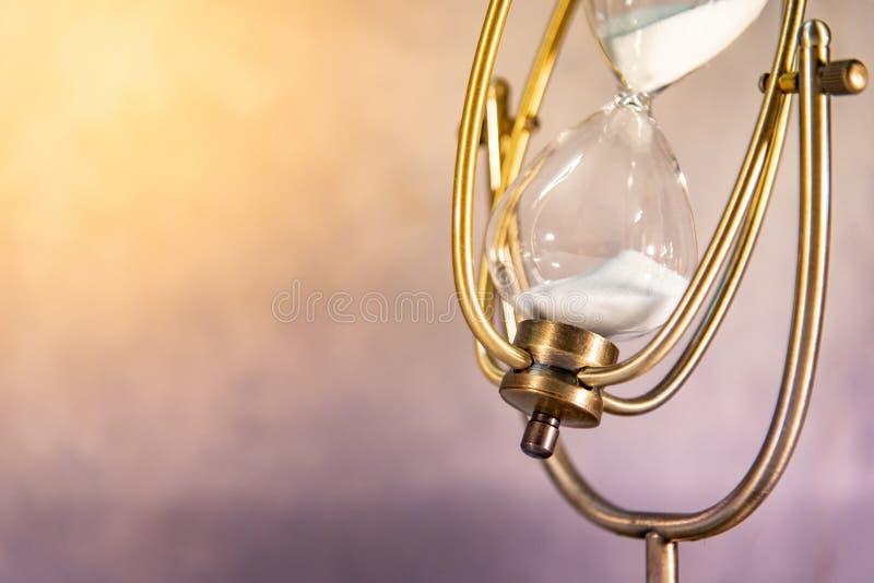 Εκλεκτής ποιότητας κλεψύδρα έννοια που περνά το χρόνο στοκ φωτογραφία με δικαίωμα ελεύθερης χρήσης