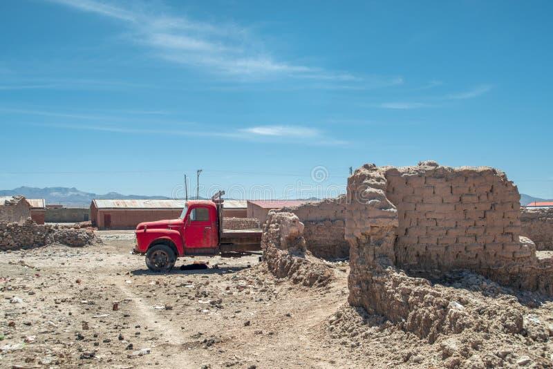 Εκλεκτής ποιότητας κόκκινο φορτηγό στοκ φωτογραφίες