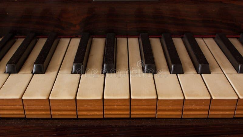 Εκλεκτής ποιότητας μεγάλος στενός επάνω πιάνων στοκ εικόνα με δικαίωμα ελεύθερης χρήσης