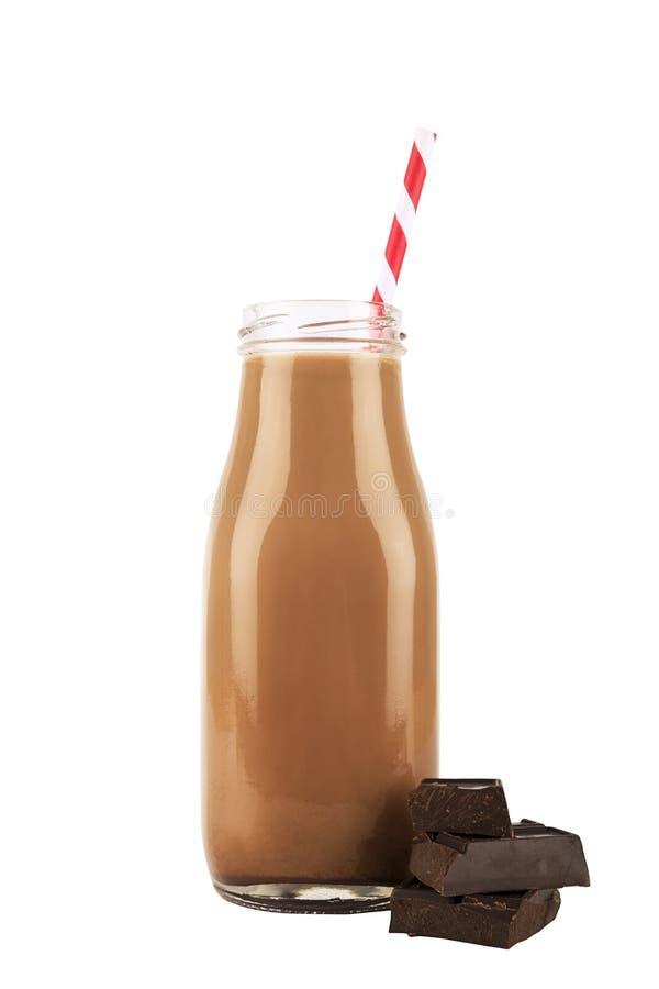 Εκλεκτής ποιότητας μπουκάλι γάλακτος σοκολάτας που απομονώνεται στο άσπρο υπόβαθρο στοκ εικόνα με δικαίωμα ελεύθερης χρήσης
