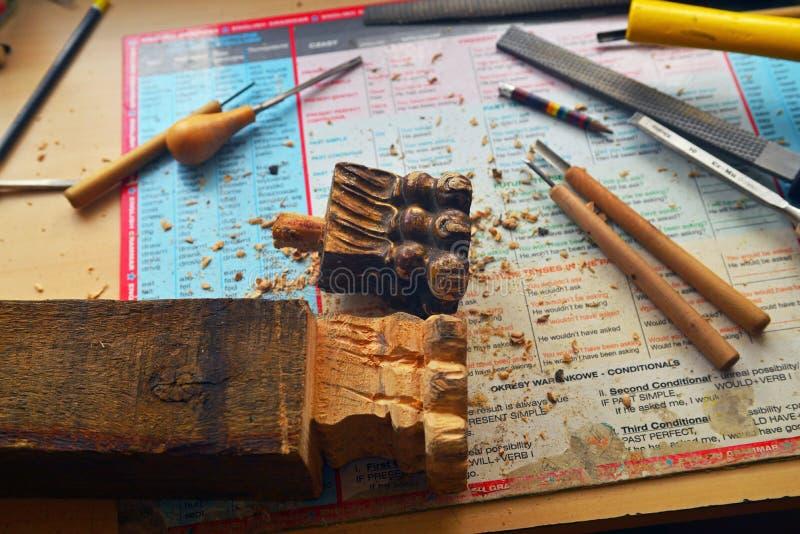 Εκλεκτής ποιότητας ξύλινη γλυπτική αναδημιουργίας ποδιών επίπλων στοκ εικόνα με δικαίωμα ελεύθερης χρήσης