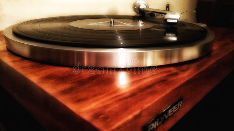 Εκλεκτής ποιότητας ξύλινο πικάπ Vinil στοκ εικόνες