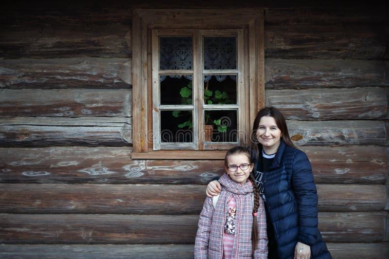 Εκλεκτής ποιότητας οικογενειακό πορτρέτο στοκ φωτογραφία με δικαίωμα ελεύθερης χρήσης