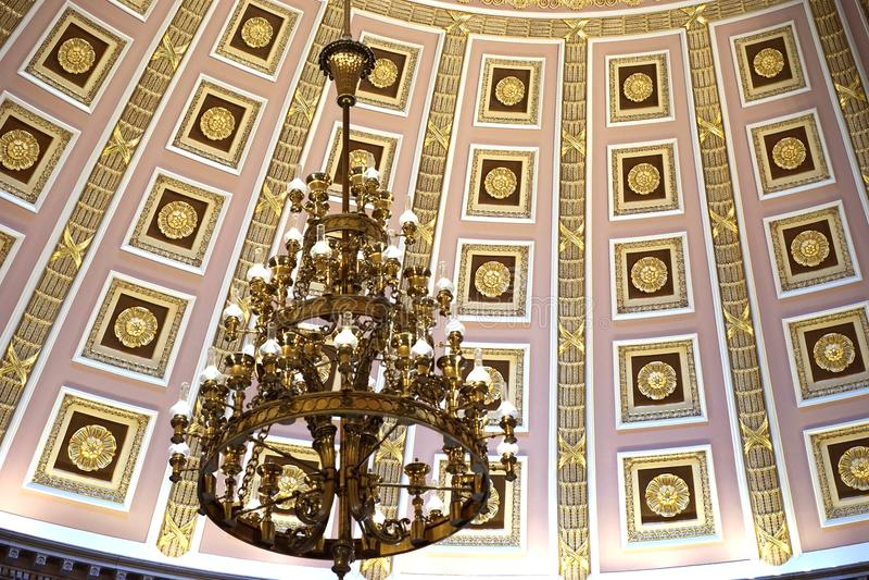 Εκλεκτής ποιότητας πολυέλαιος στον αμερικανικό Capitol θόλο στοκ εικόνες με δικαίωμα ελεύθερης χρήσης
