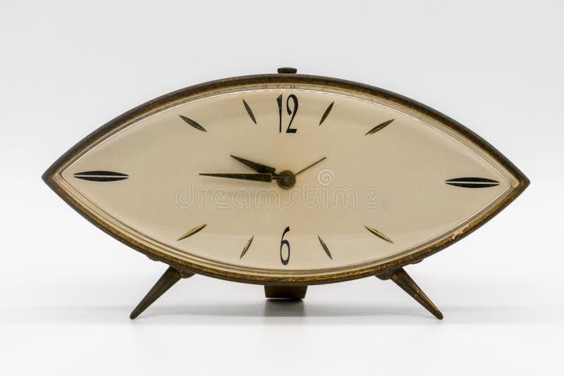 Εκλεκτής ποιότητας ρολόι, ξυπνητήρι στο άσπρο υπόβαθρο στοκ φωτογραφία με δικαίωμα ελεύθερης χρήσης